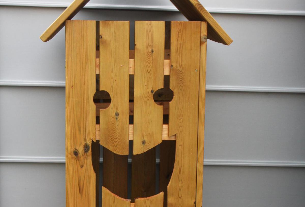 Søppeldunk med smil og med stil!
